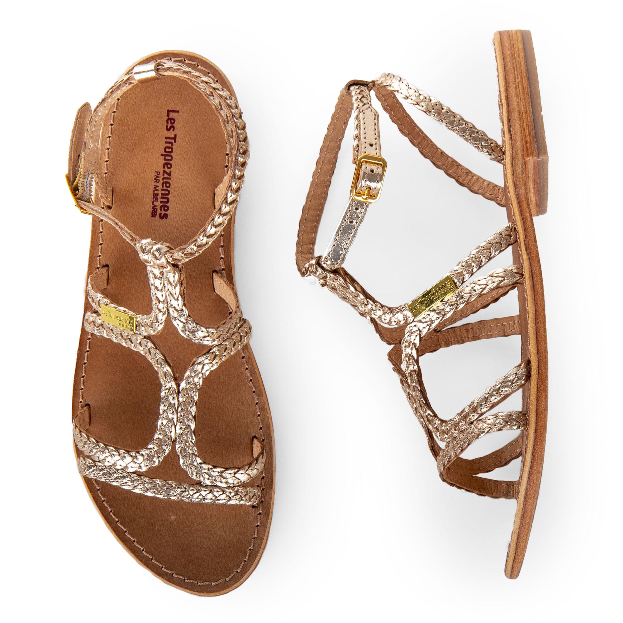 410e4218f25f4 ... ces sandales Les Tropéziennes ! Elles iront à merveille avec un total  look blanc ou noir ! Craquez