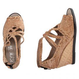 Sandales compensées tressées en cuir beige femme KARIDA marque pas cher prix dégriffés destockage