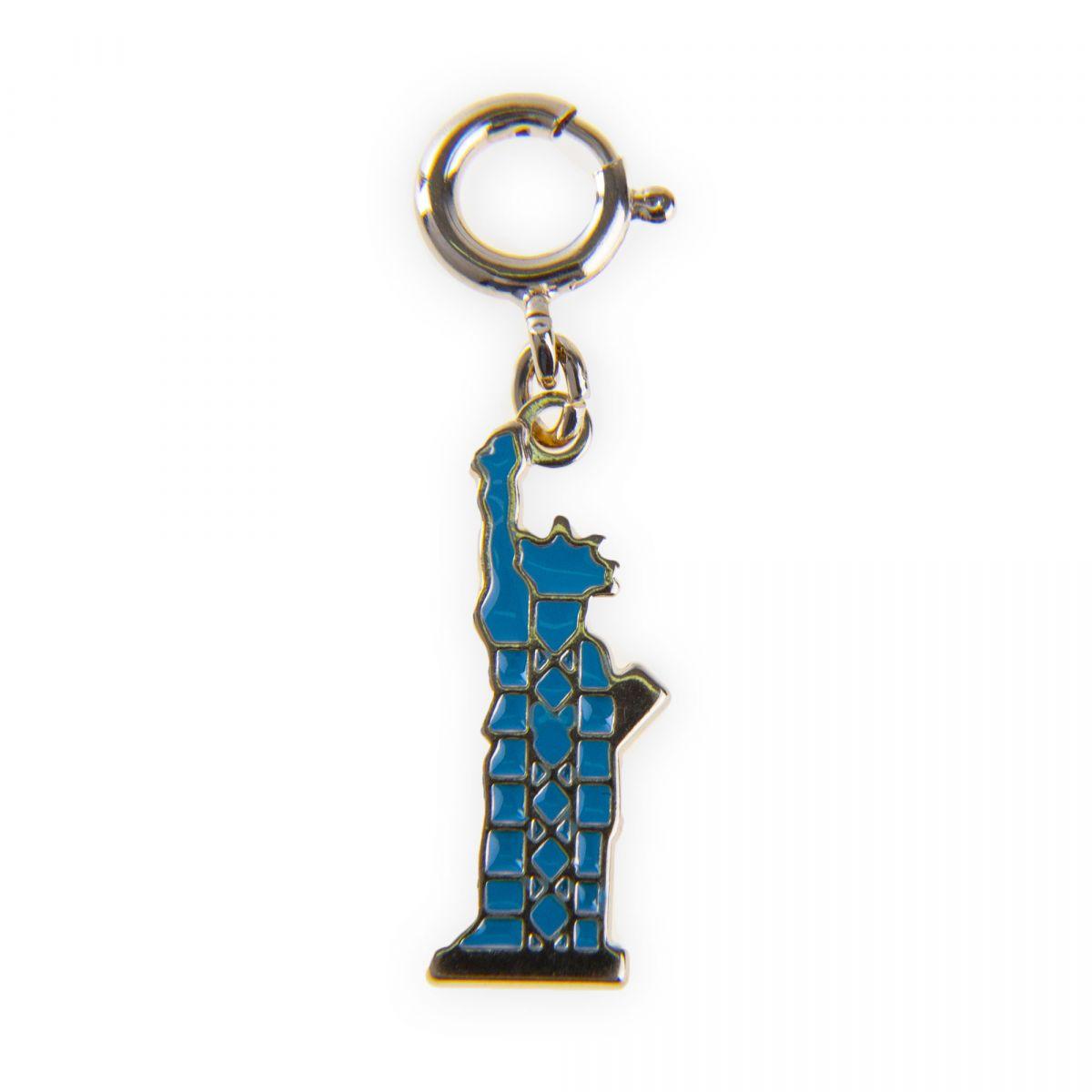 9dcc33e1d5b pendentif-charms-emaille-en-plaque-or-statue-de-la-liberte-femme-kenzo.jpg