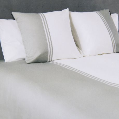 Parure de lit gris et blanc 260X240 KARL LAGERFELD marque pas cher prix dégriffés destockage